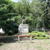 Kevermes - Park világháborús elmékművel