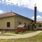Medgyesegyháza - Bánkúti kastély és Baross László Emlékszoba