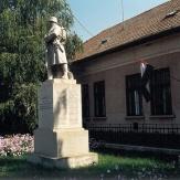 Pusztaföldvár - I. v. h. emlékmű