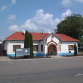 Kisdombegyház